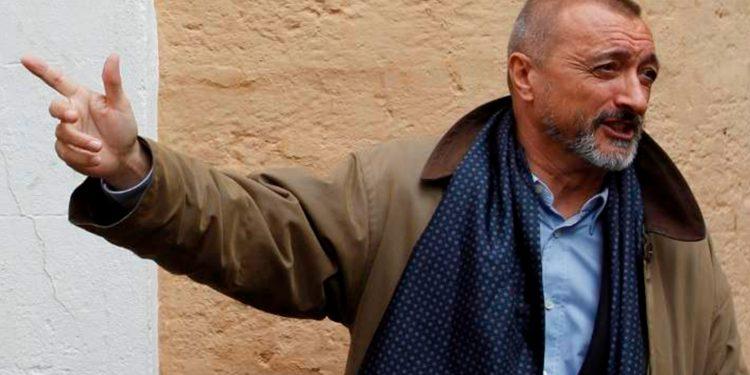 El escritor Arturo Pérez-Reverte / REUTERS