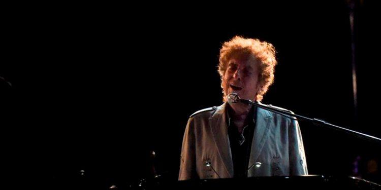Bob Dylan le vendió su catálogo musical de 600 temas a Universal Music Group / REUTERS