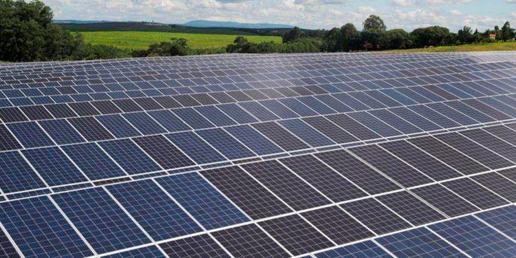 La planta más grande del mundo de energía solar se construirá en la India / REUTERS
