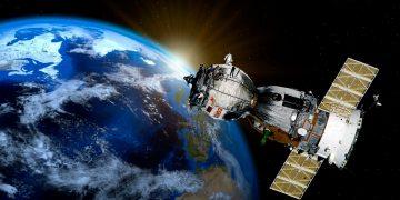 La ESA y ClearSpace trabajan en un proyecto para limpiar los desechos espaciales / Pixabay