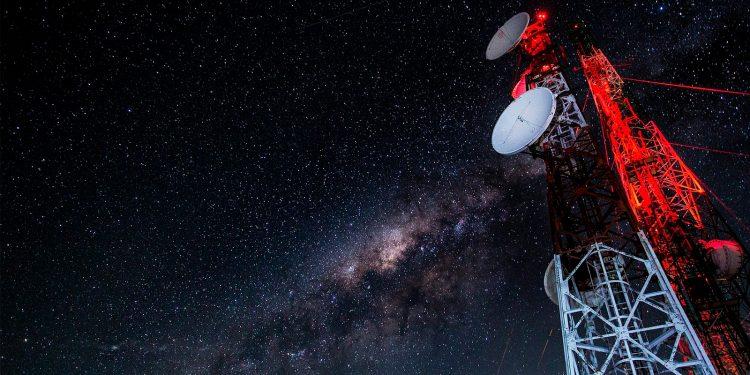 Investigadores detectan una señal de radio procedente de un exoplaneta a 51 años luz de la Tierra / Pixabay