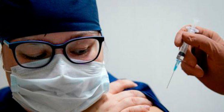 Gobierno de España confirma que vacunación contra la COVID-19 iniciará este domingo / REUTERS