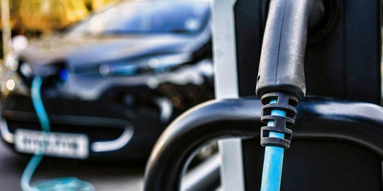 Punto de recarga de vehículos eléctricos. Reuters
