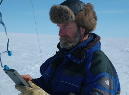 Este especialista suizo creó un campamento en el que recibía visitantes para que vieran el cambio climático desde primera fila, en Groenlandia / National Geographic