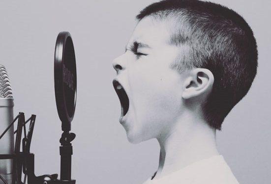 mejore su tono de voz