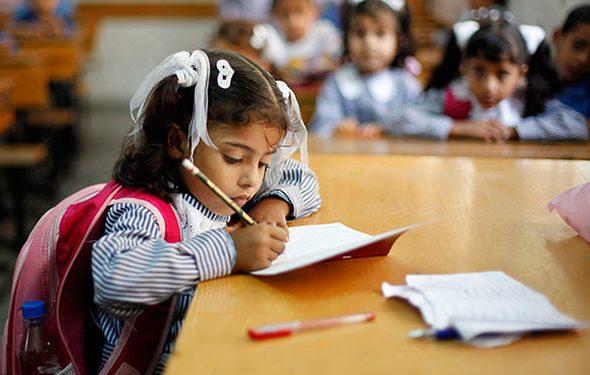 Desde temprana edad los niños deben estar expuestos a actividades de escritura y dibujo en la escuela. REUTERS