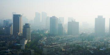 La relación entre la contaminación del aire y el rendimiento cognitivo en los estudiantes. REUTERS