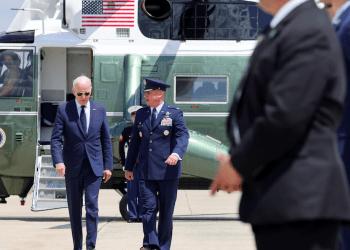 Biden se compromete a investigar el origen del SARS-CoV-2 en 90 días. REUTERS