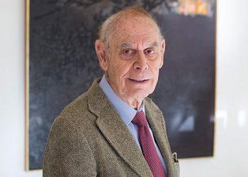 Gerald Holton ha sido profesor de investigación en Física y también en Historia de la ciencia, en la Universidad de Harvard