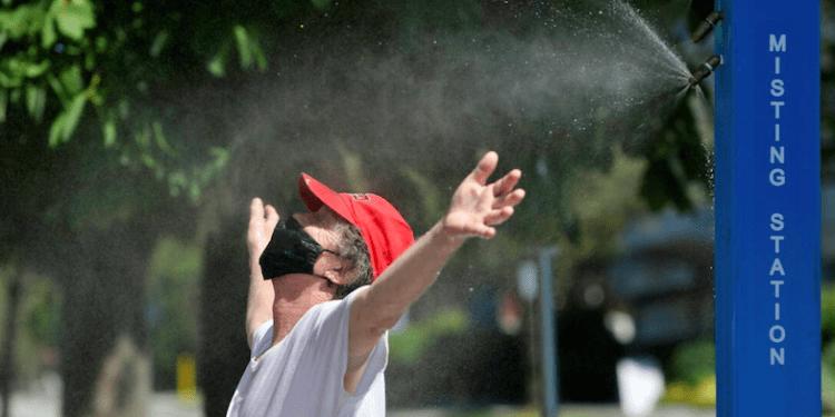 Desde este lunes en varios sectores de Canadá y los Estados Unidos los ciudadanos experimentan una ola de calor sofocante e inusual.