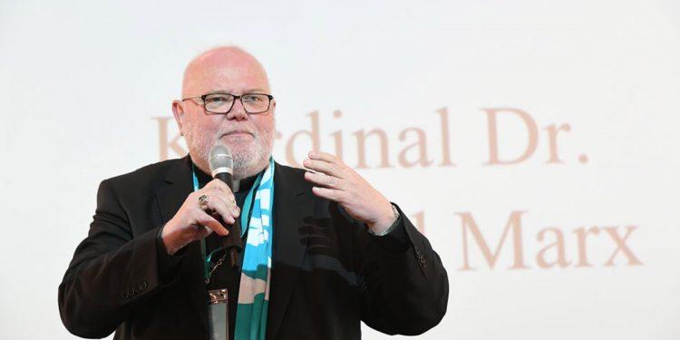 Renuncia cardenal alemán