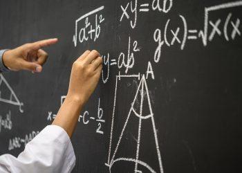 Los estudiantes que dejaron las matemáticas en la adolescencia tenían niveles más bajos de una sustancia química que está relacionada con la plasticidad del cerebro