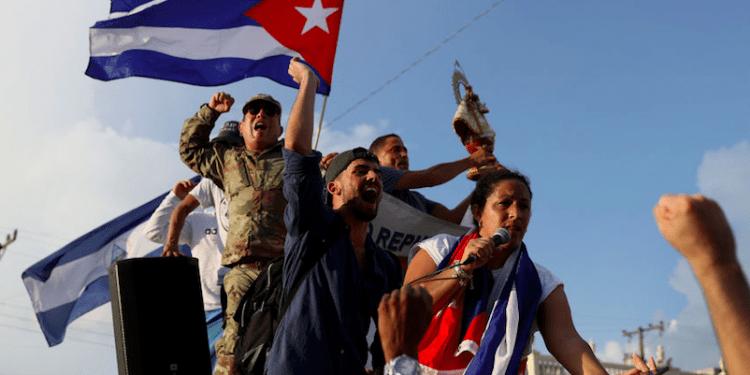 El deterioro de las condiciones de vida en Cuba ha hecho que sus habitantes lideren una jornada histórica de protestas en todo el país