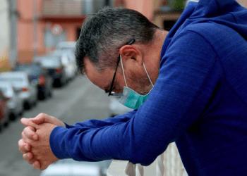 Avanza la vacunación en España pero los casos de COVID-19 siguen aumentando, sobre todo en los más jóvenes, que aún no están vacunados