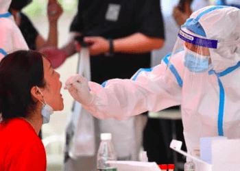 Las autoridades de China han realizado múltiples rondas de test masivos y confinamientos parciales ante la llegada de la variante Delta