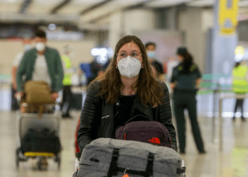 España levanta cuarentena obligatoria de ingreso a viajeros sudamericanos