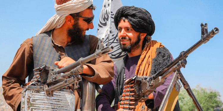 Tras visitar Afganistán en tres ocasiones, el periodista de CNN Brasil, Lourival Sant'Anna, desveló aspectos poco conocidos de los talibanes.