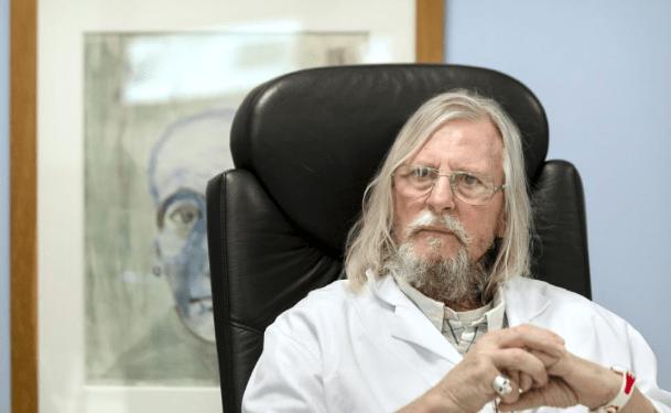 Desde que inició la pandemia, el microbiólogo francés Didier Raoult ha sido muy controvertido por su tratamiento con hidroxicloroquina