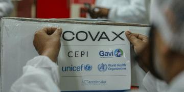 Pedro Cavadas alertó hace un año sobre la posibilidad de que podrían pasar años para la completa administración de las vacunas COVID-19