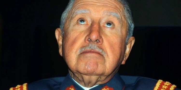 viajes de Maduro y Pinochet