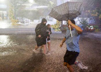 Las fuertes lluvias e inundaciones que tomaron por sorpresa a miles de personas en Nueva York y Nueva Jersey